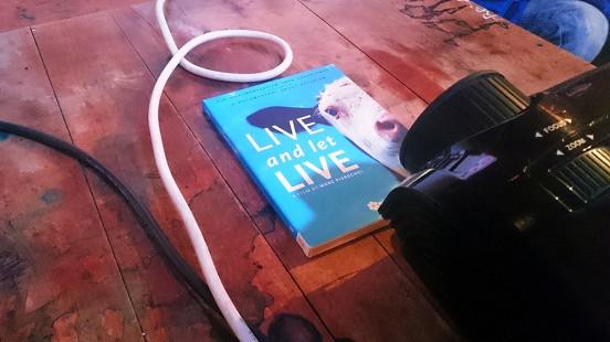 liveandletlive_dvd_1140